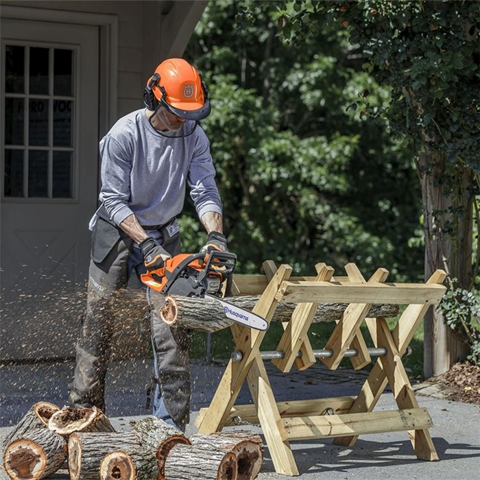 Chainsaws on smallholdings
